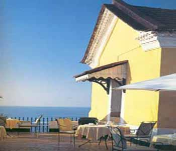 Tiracol Fort Heritage Hotel Goa